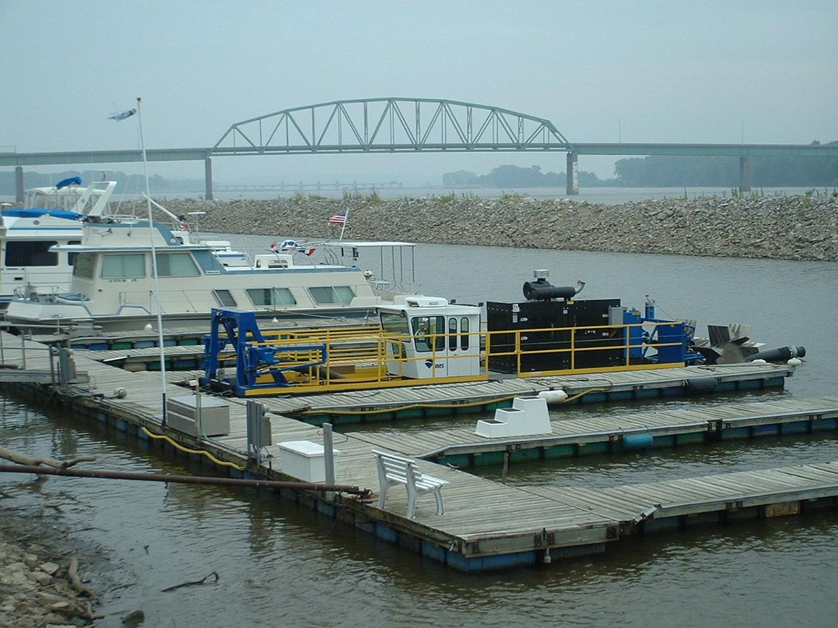 Dredging Muscatine Municipal Harbor