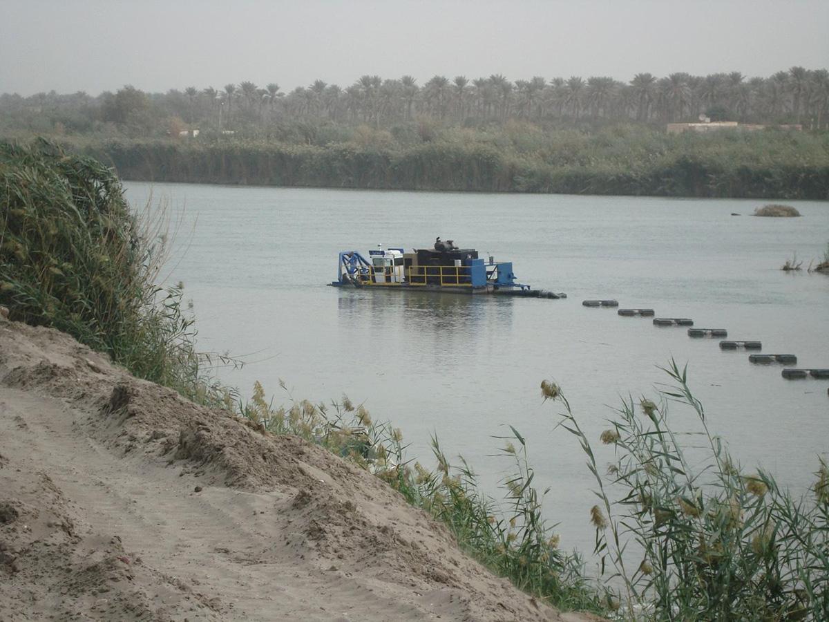 IMS Dredge In River In Iraq