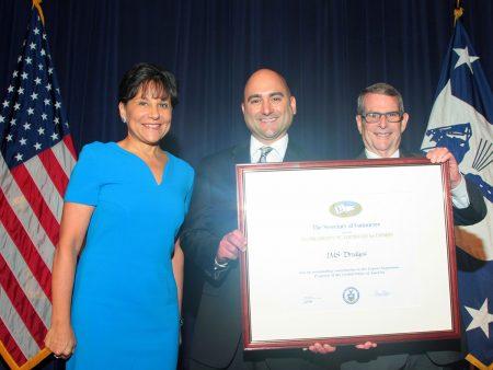 Natanggap ng IMS ang E-Award Para sa Pag-export